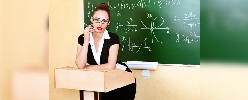 Sex im Klassenzimmer: Lehrerin vernascht zwei Schüler an