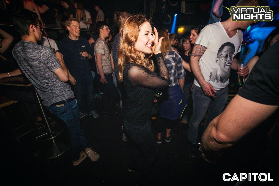 Studentinnen Feiern Sexparty